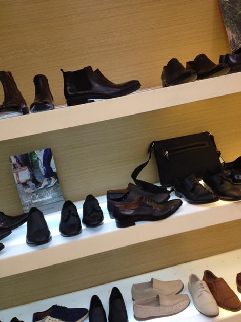ea0343a0 Производство: Carlo Pazolini — российская марка, а производится обувь в  Китае. У Карло Пазолини имеется целая сеть магазинов по всему миру (Италия,  Чехия, ...