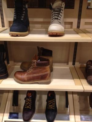 настоящие ботинки огромного мужика timberland